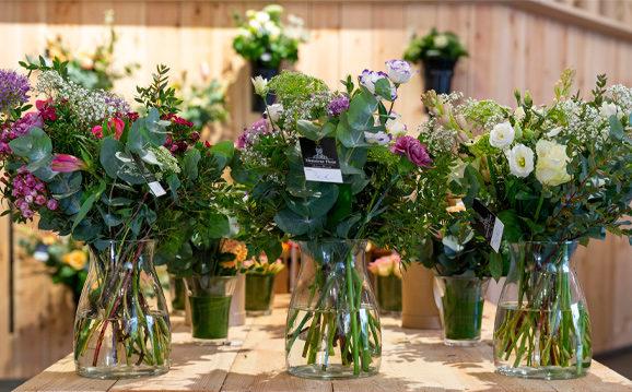 bouquets de fleurs et vase monsieur fleur