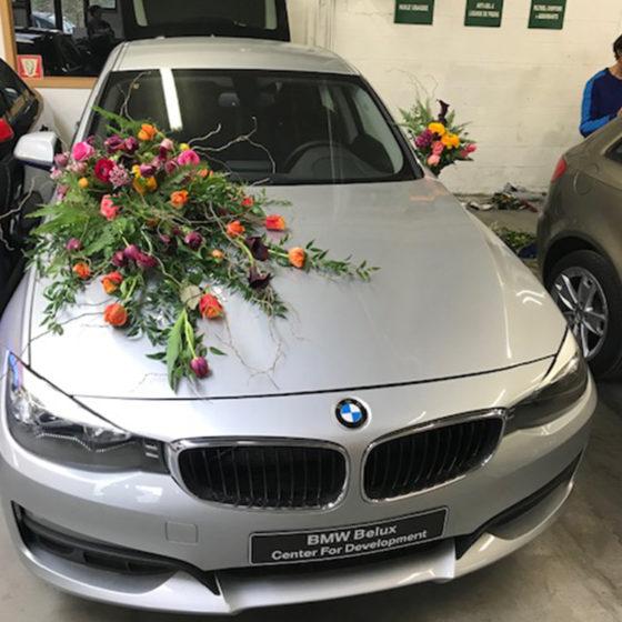 Composition florale voiture événement monsieur fleur photo