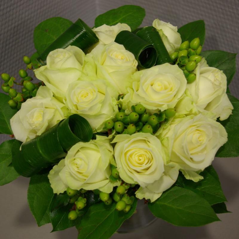 Bouquet-de-mariée-composition-sobre